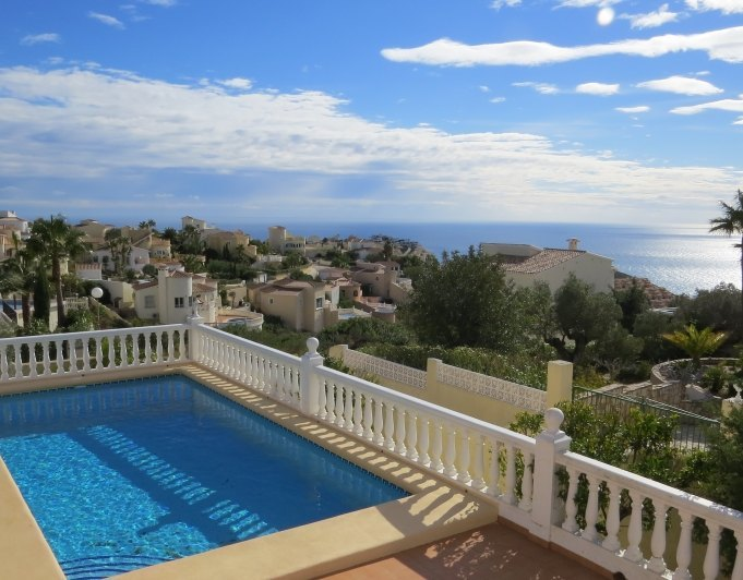 Villa en cumbre del sol benitachell for Piscina marva