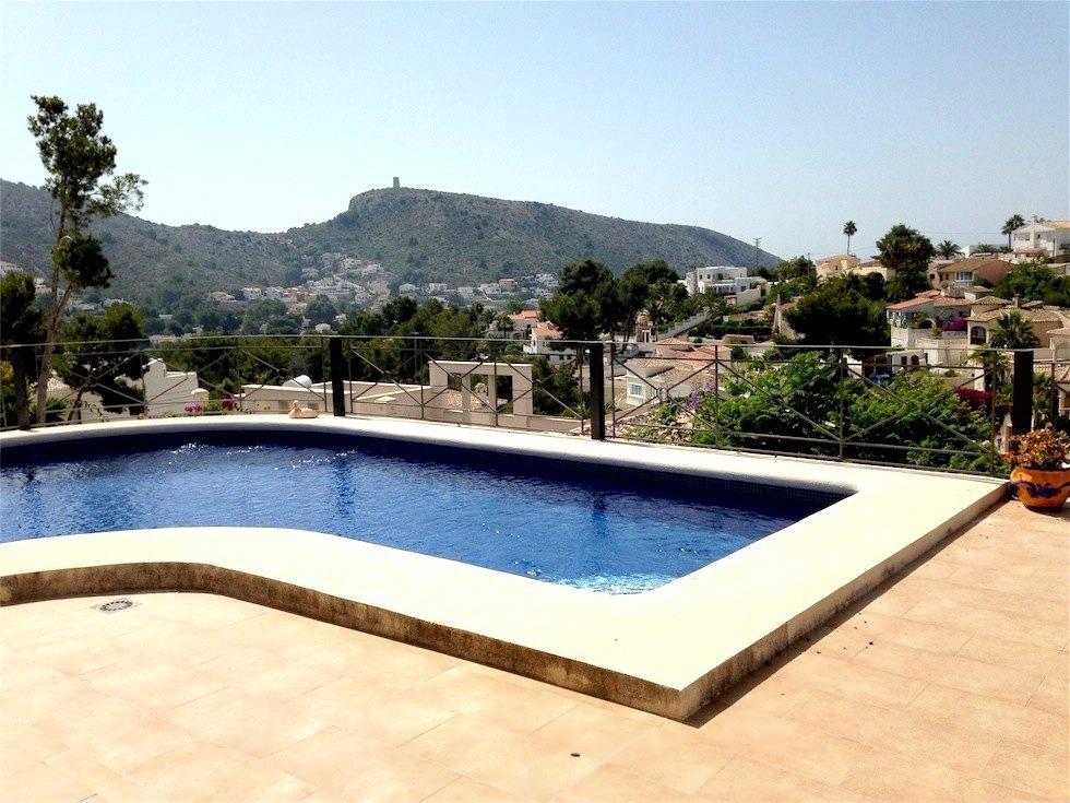 Se vende villa en el portet de moraira ref mv11200 for Piscina marva