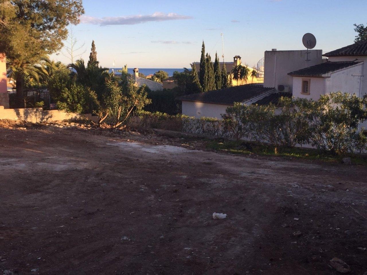 Parcela en moraira con vistas al mar ref mv2147 marva for Piscina marva